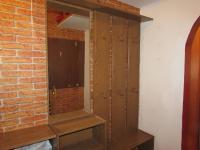 předsín se šatní stěnou (Prodej bytu 3+kk v osobním vlastnictví 58 m², Cheb)