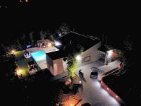 Noční pohled na celý pozemek (Prodej domu v osobním vlastnictví 120 m², Crikvenica)