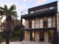 moderní styl kamene v kombinaci se sklem (Prodej domu v osobním vlastnictví 230 m², Crikvenica)