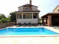 Prodej domu v osobním vlastnictví 354 m², Poreč