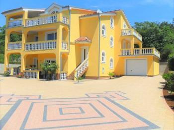 veliká moderní vila s vybavením - Prodej domu v osobním vlastnictví 320 m², Crikvenica