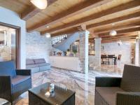 interiér bez jediné výtky (Prodej domu v osobním vlastnictví 200 m², Pazin)