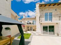 spousta prostoru pro relax (Prodej domu v osobním vlastnictví 200 m², Pazin)