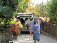 každé dva dny pojízdná prodejna ovoce a zeleniny - Prodej domu v osobním vlastnictví 210 m², Pag