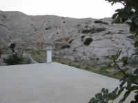 skalní masiv za domem - záruka klidu - Prodej domu v osobním vlastnictví 235 m², Pag