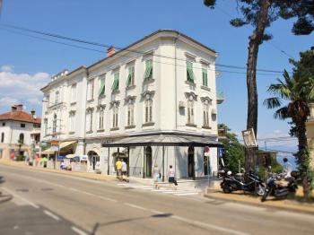 stylový dům u moře - Prodej bytu 3+1 v osobním vlastnictví 70 m², Opatija
