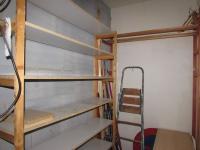 uzavřený úložný prostor (Prodej bytu 3+1 v osobním vlastnictví 79 m², Cheb)