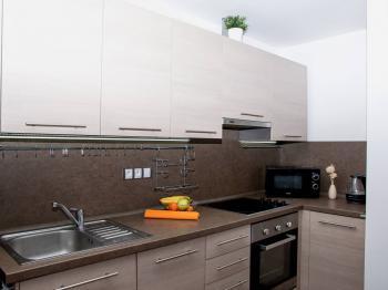 praktický kout na vaření  - Prodej bytu 2+kk v osobním vlastnictví 50 m², Cheb