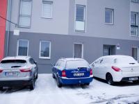 parkování přímo před domem - Prodej bytu 2+kk v osobním vlastnictví 50 m², Cheb