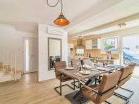 Prodej domu v osobním vlastnictví 370 m², Novigrad