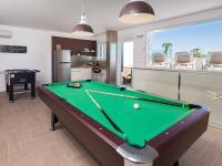 relax pro pány po plavání v bazénu - Prodej domu v osobním vlastnictví 410 m², Rogoznica