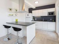 kuchyně dle nejmodernějších požadavků - Prodej domu v osobním vlastnictví 410 m², Rogoznica