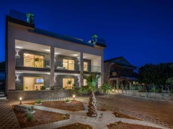 skvělý dezing večerní vily - Prodej domu v osobním vlastnictví 410 m², Rogoznica