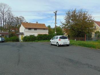 pohled z velkého parkoviště - Prodej domu v osobním vlastnictví 115 m², Vojtanov
