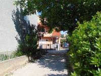 slepá ulička pro příjezd - Prodej domu v osobním vlastnictví 235 m², Vodice