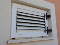 kvalitní okna - Prodej domu v osobním vlastnictví 235 m², Vodice