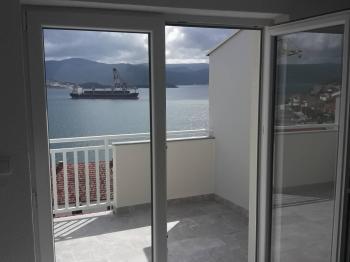 Prodej bytu 4+kk v osobním vlastnictví 97 m², Komarna