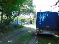 cesta pro členy zahr.kolonie - Prodej domu v osobním vlastnictví 180 m², Karlovy Vary