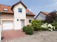 Pronájem domu v osobním vlastnictví 125 m², Praha 9 - Satalice