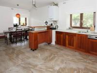 Prodej domu v osobním vlastnictví 196 m², Svémyslice