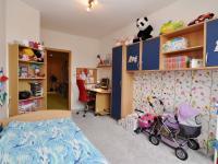 dětský pokoj 1b (Prodej bytu 5+kk v osobním vlastnictví 165 m², Říčany)
