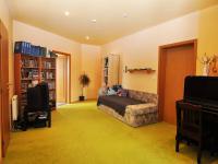 hala 2 (Prodej bytu 5+kk v osobním vlastnictví 165 m², Říčany)