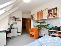 dětský pokoj 2b (Prodej bytu 5+kk v osobním vlastnictví 165 m², Říčany)
