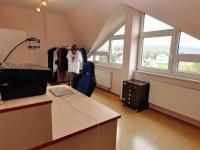 výhled z pokoje (Prodej bytu 5+kk v osobním vlastnictví 165 m², Říčany)