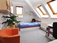 dětskýpokoj 2 (Prodej bytu 5+kk v osobním vlastnictví 165 m², Říčany)