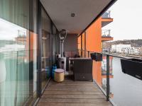 Lodžie (Prodej bytu 2+kk v osobním vlastnictví 86 m², Praha 7 - Holešovice)