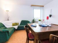 Prodej bytu 3+1 v družstevním vlastnictví 75 m², Praha 8 - Troja