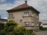 Samostatný dvoupdlažní dům se 4-mi kancelářemi, zázemím a úložným  podkrovím + relaxační zahradou. (Pronájem kancelářských prostor 220 m², Teplice)