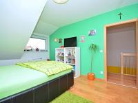 3. pokoj v 1. patře (Prodej domu v osobním vlastnictví 170 m², Větrušice)