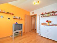 5. pokoj v 1. patře (Prodej domu v osobním vlastnictví 170 m², Větrušice)