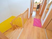 Chodba v 1. patře (Prodej domu v osobním vlastnictví 170 m², Větrušice)