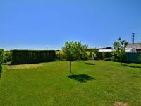 Zahrada (Prodej domu v osobním vlastnictví 170 m², Větrušice)