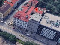 Kompetně zrenovovaný původní BD s nástavbou v centru Smíchova! (Prodej bytu 2+kk v osobním vlastnictví 57 m², Praha 5 - Smíchov)