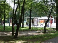 Autobusová zastávka u domu. (Pronájem bytu 3+1 v osobním vlastnictví 65 m², Praha 8 - Kobylisy)