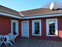 Vstup do sauny a relaxační místnosti (Prodej domu v osobním vlastnictví 198 m², Jirny)