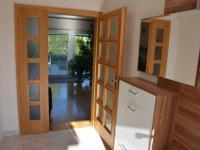 Předsíň (Prodej domu v osobním vlastnictví 198 m², Jirny)