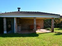 Zahradní altán s krbem (Prodej domu v osobním vlastnictví 198 m², Jirny)