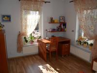 2. pokoj (Prodej domu v osobním vlastnictví 198 m², Jirny)