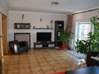 Obývací pokoj (Prodej domu v osobním vlastnictví 198 m², Jirny)