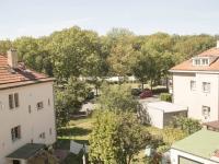 výhled z domu na oboru Hvězda (Prodej domu v osobním vlastnictví 380 m², Praha 6 - Břevnov)