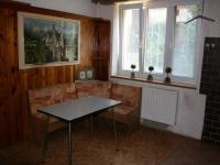 Kuchyně v přízemí domu. (Prodej domu v osobním vlastnictví 190 m², Praha 9 - Hloubětín)