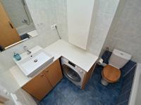 Koupelna ve 2. obytném patře (Prodej bytu 3+kk v osobním vlastnictví 83 m², Praha 9 - Letňany)