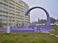 Okolí domu (Prodej bytu 3+kk v osobním vlastnictví 83 m², Praha 9 - Letňany)