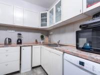 Kuchyně ve výminku - Prodej zemědělského objektu 1409 m², Radíč