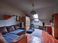 2. pokoj v patře v hlavní budově - Prodej zemědělského objektu 1409 m², Radíč