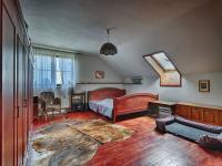 1. pokoj v patře v hlavní budově - Prodej zemědělského objektu 1409 m², Radíč